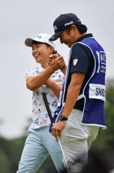 渋野日向子選手と青木翔コーチ03