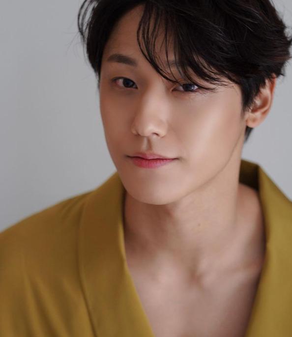 韓国人俳優イドヒョン1995年生